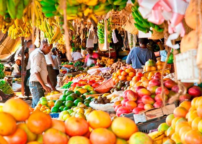 Фрукты на рынке Занзибара