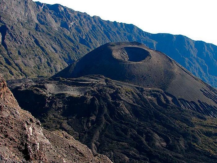 Гора Меру в Танзании