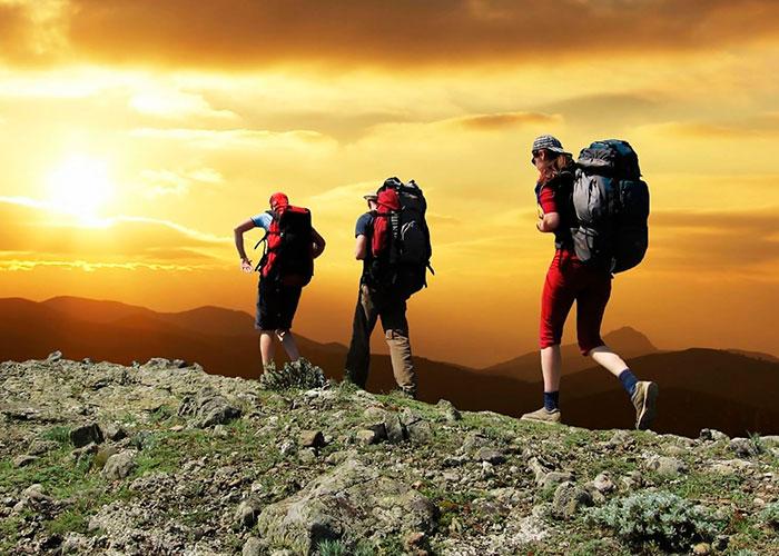 Туристы при восхождении на Килиманджаро