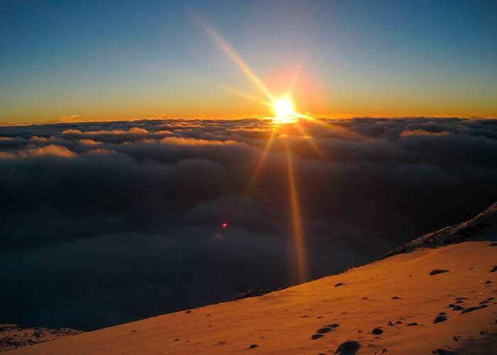 Восход солнца над Килиманджаро