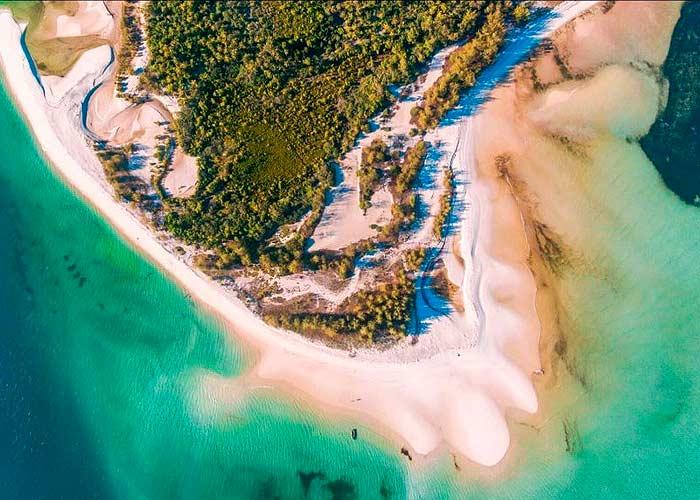 Вид сверху на остров Мафия