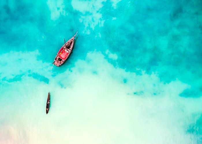 Лодка в проливе Пемба