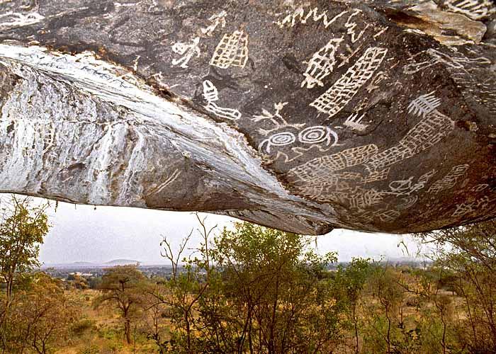 Рисунки на скалах Кондоа